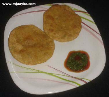 Paneer Pyaaj Ki Kachori Recipe