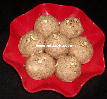 Urad Dal Ke Laddu Recipe