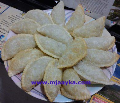 gujhiya-recipe