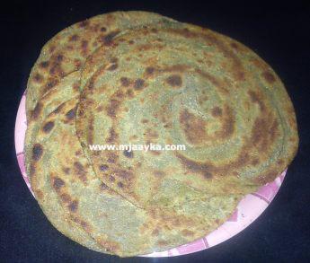 Palak Ka Lachcha Paratha Recipe