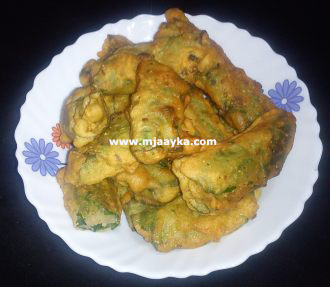 Stuffed Palak Roll Recipe